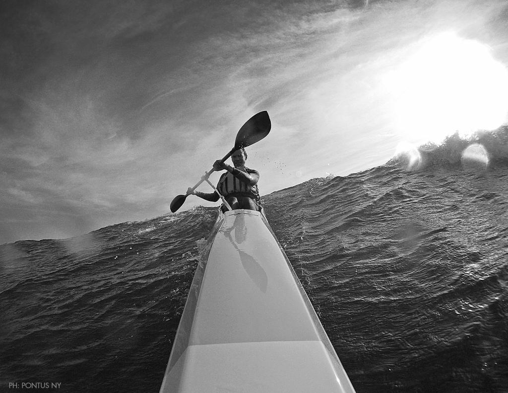 Downwind i surfski för många år sedan utanför Apelviken.